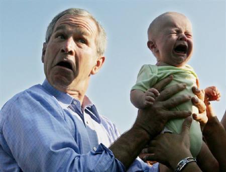 ブッシュと赤ちゃん.jpg