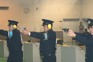 警察官 拳銃 暴力団